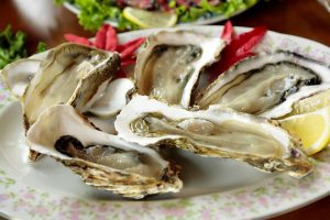 try fresh oysters in Dubrovnik