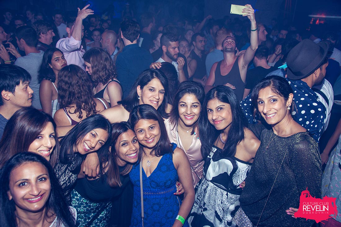 Party people, nightclub Revelin, The Vibe, week show