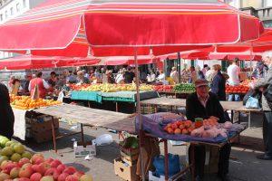 market in Dubrovnik, Gundulic square