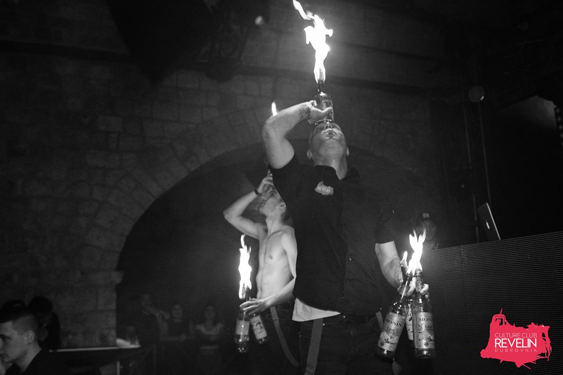 igra s vatrom na Trash Party-u u Revelinu, 03.ozujak 2018. Dubrovnik