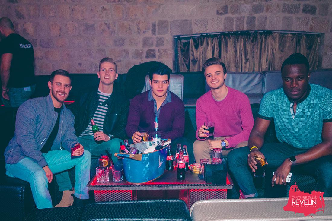 gosti Revelina na Trash Party-ju, VIP loza, Dubrovnik