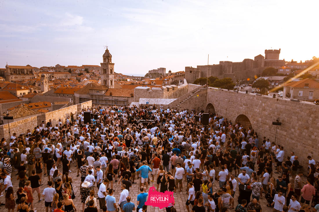 view on Revelin terrace, Hot Since 82, Cercle