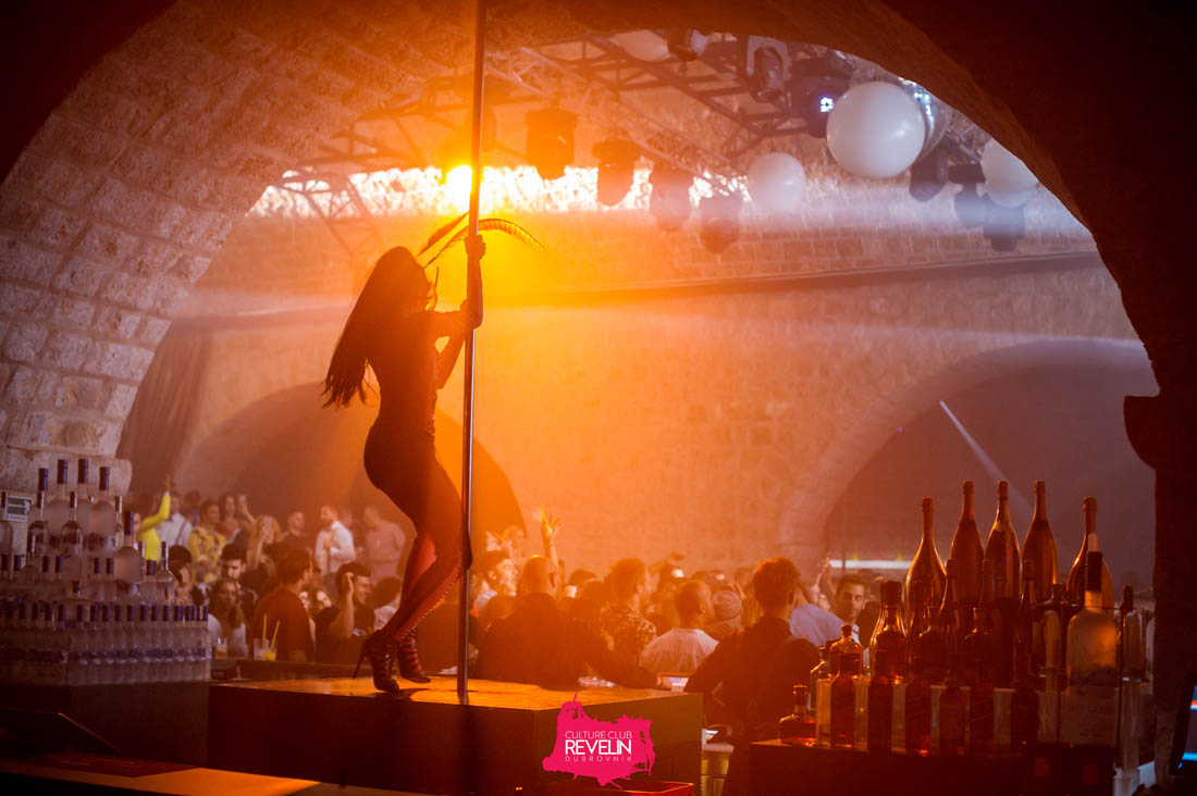 pole dancer, Tunesday club night Revelin