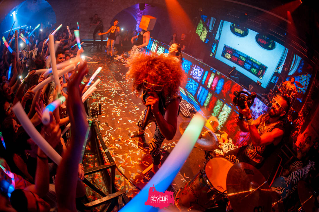 crazy RedFoo party time!