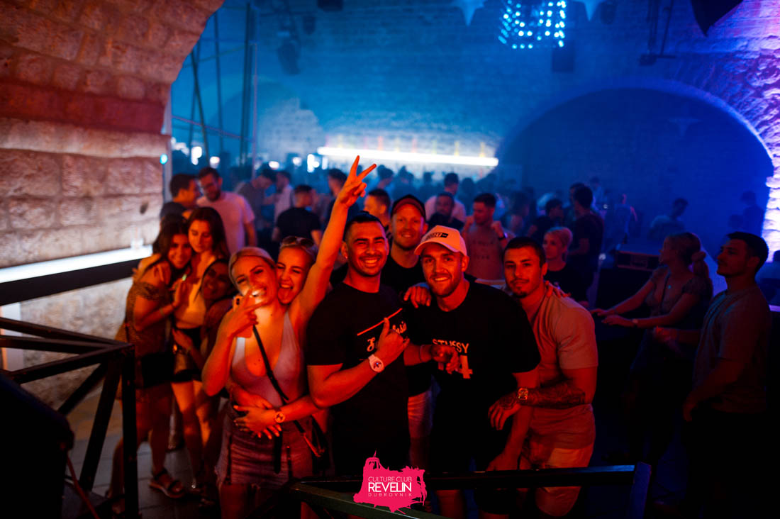 ReLIve the music, Revelin nightclub