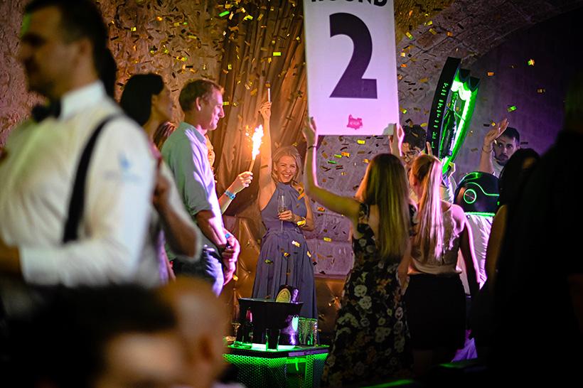 Ellie Goulding uživa u noćnom klubu Revelin